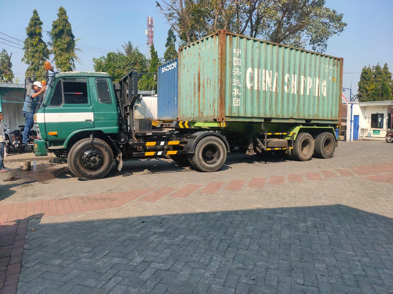 Ekspedisi Container Surabaya Pohuwatu